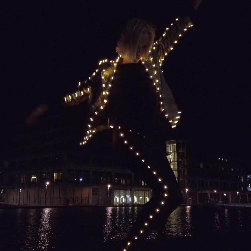 10H10 - Fredrika Stahl - Electric - Vidéo Clip